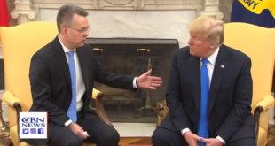 Brunson modli sie o Trumpa